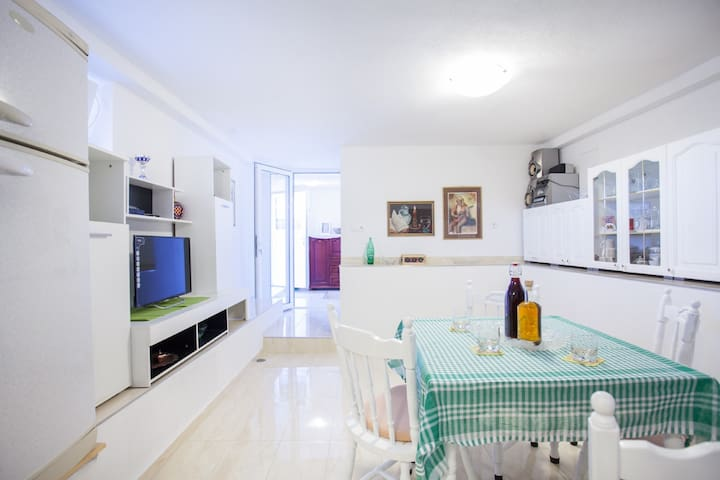 Studio apartman JOSIP
