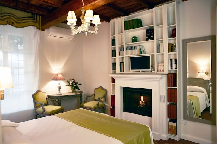 Relais Torre dei Torti-Luxury B&B Camera G - Cava Manara - Bed & Breakfast
