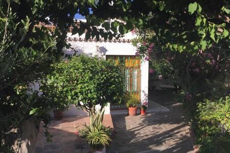 Casa a 100 metros de la playa en Almuñécar