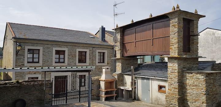 Casa de Julia de Lozano en Rinlo-Ribadeo-Lugo.