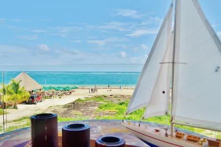 Condo Del Mar #3 - 2BR Beach Front - Leilighet