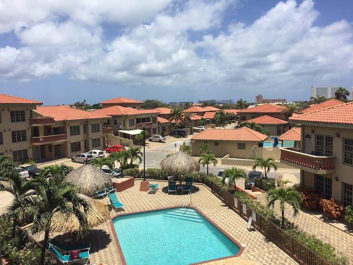 Chill Out Condo Gated Complex near Palm Beach
