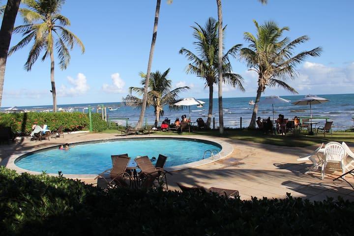 Apartamento bem localizado na Praia do Forte