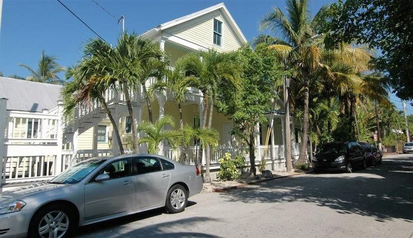 The Galleria~Unit #14--All you need in Key West!