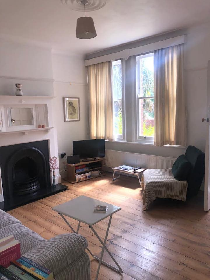 Lovely quiet North London ground floor garden flat