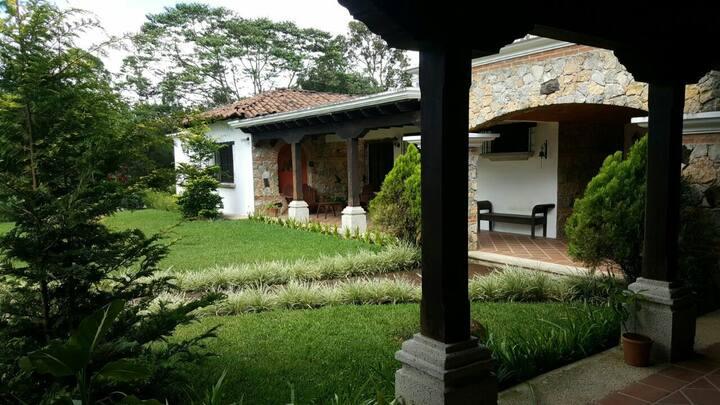Casa El Pedregal..!!