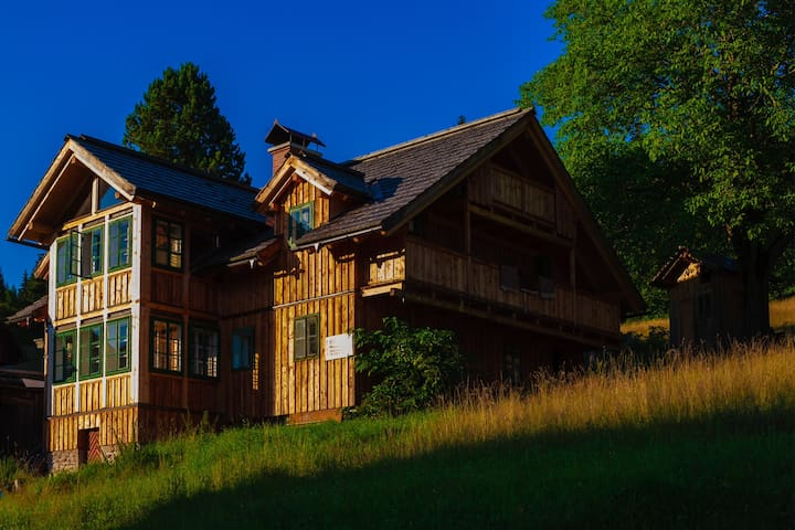 Charming 400 years old Mountain-Farmhouse - Altaussee - Allotjament sostenible a la natura