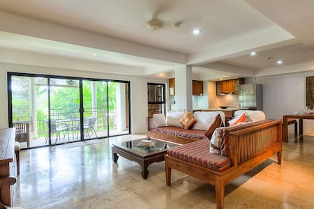 2BDR Huge Apartment near Beach Nai Harn - Rawai
