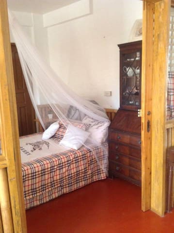 Doll House - Lucban - Bed & Breakfast