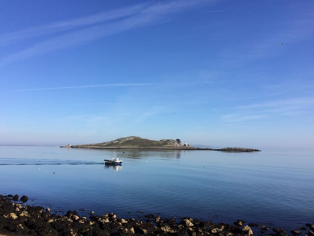 A home in beautiful Howth for summer 2020!