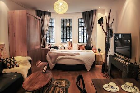 【沙漠星辰】Amazing space老洋房中的梦幻时光(近iapm) - Apartment