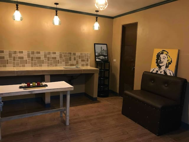 (4) Low priced suite-Heart of Bacolod Lacson St.