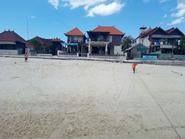 The Beach Huts 2-4