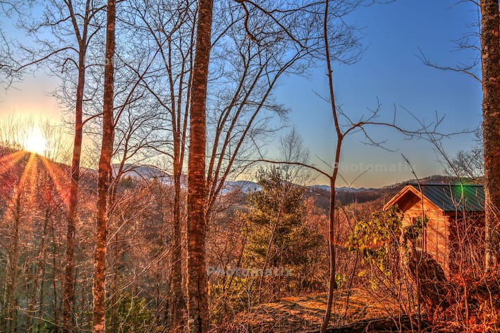 Smawlie - A Peaceful Log Cabin w/ mountain views - Topton