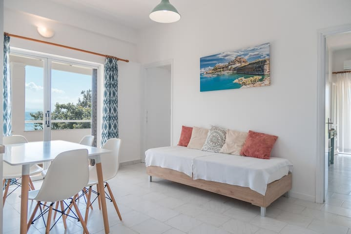Apartment with Sea View - for 5 adults