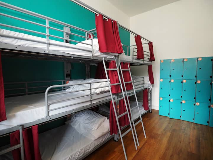 St Christopher's Inn 12 Bed Female Ensuite