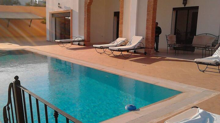 Peaceful 5 Bedrooms Villa with Pool  Ref: T52026