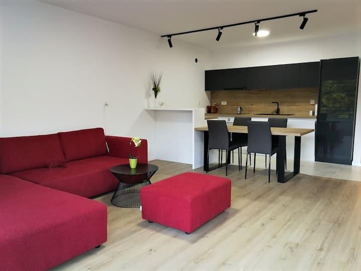 New!  Sea view apartment, near the beach!