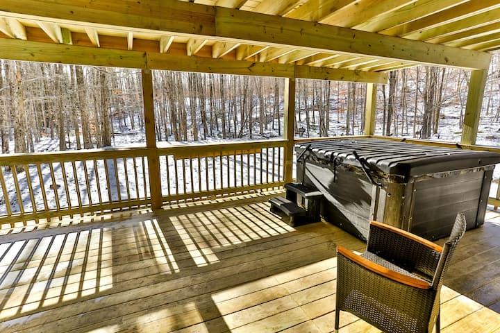 NEW HOME Private Sauna/Hottub 6min drive to Hunter