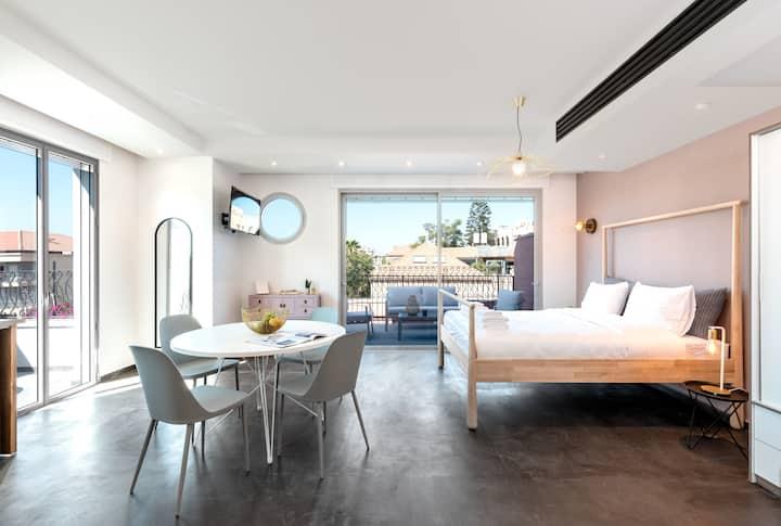 KEDEM - DELUXE Studio Penthouse with 2 Balconies!