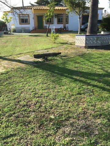 Chalet con piscina y chimenea - La Guijarrosa - Chalet
