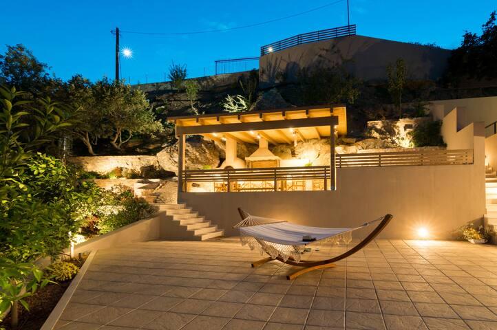 Sea view Villa Omikron with private Pool ! - Rodia