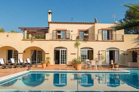 Villa in San Carlos, walking distance from beaches - Santa Eulària des Riu