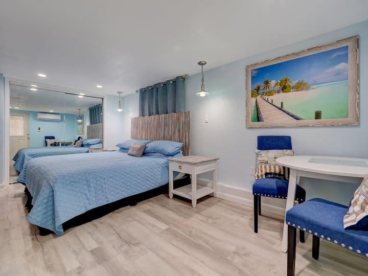 Solitude Suite - Studio on Siesta Key - Waterfront Resort
