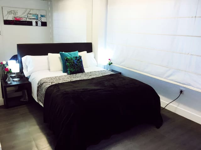 Great double room 10 min from the airport/Ifema 0V