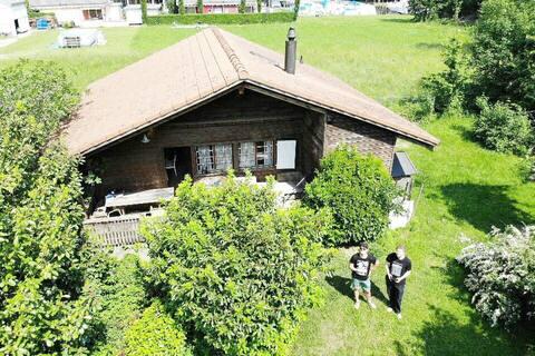 Chalet/ Ferienhaus in Erlach am Bielersee