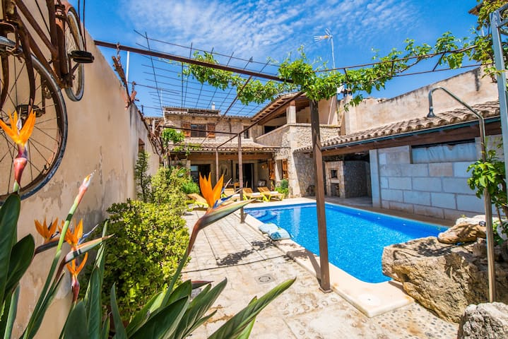 ☼ Cal Tio - Village house, private pool, jacuzzi