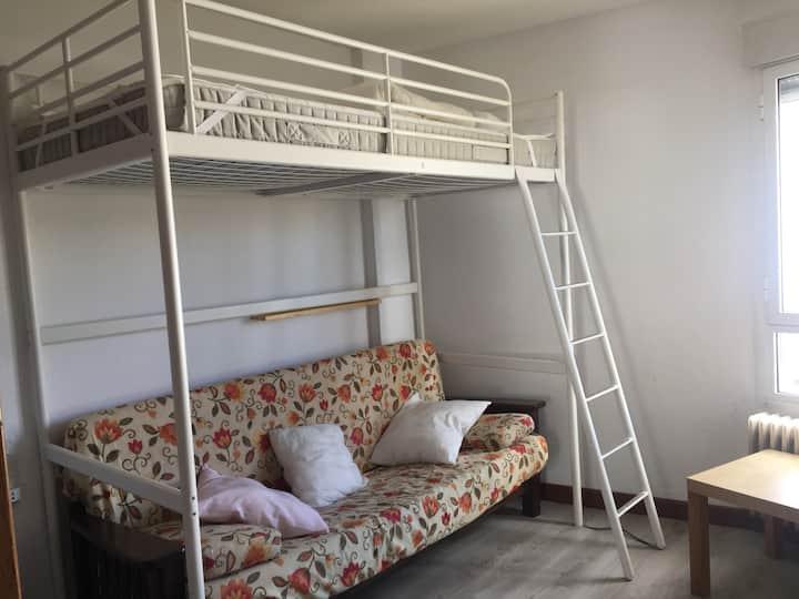 Habitación en antiguo Hotel Toneo San Isidro