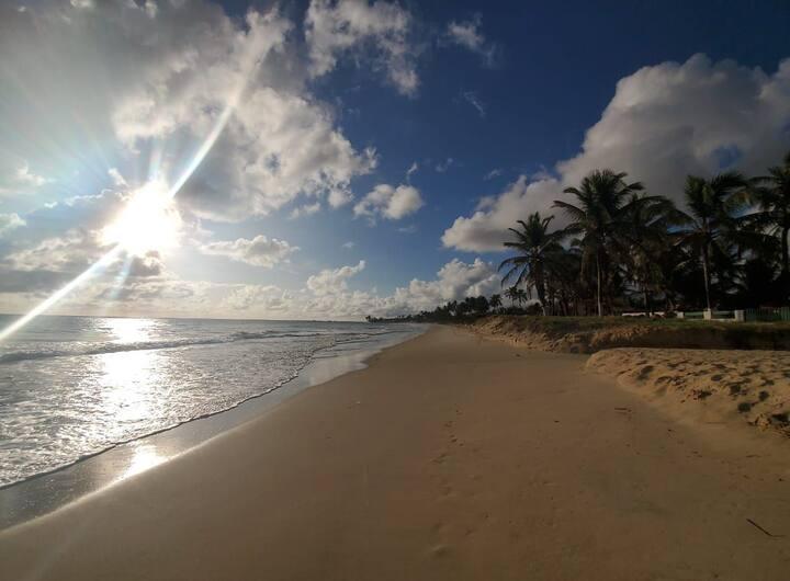 Adorável Chalé a beira mar
