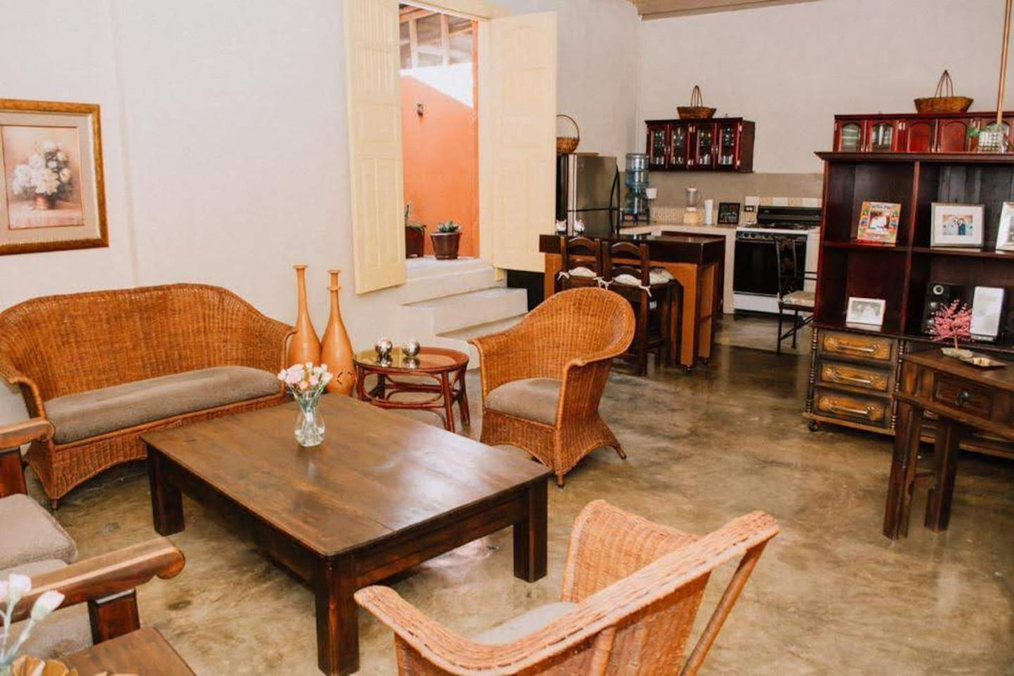 The living room is a common area. A good place to relax or plan the next stage of your trip.