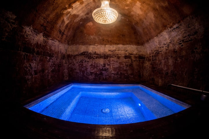 Pool House with Underground Jacuzzi Grotto