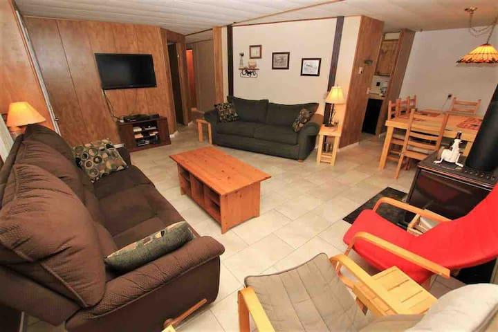 3 Bedroom Cabin in Tulameen Sleeps 7