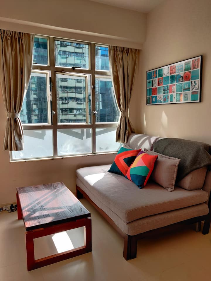 Cozy and bright 1BR in North Point