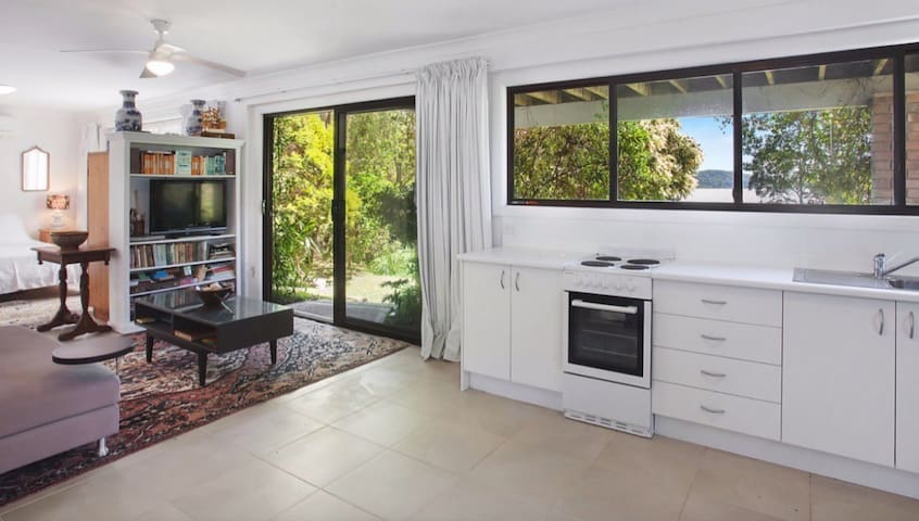 Dog Friendly Guest House At Macmasters Beach
