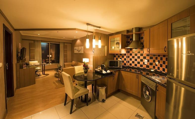 Deluxe Private 1 Bedroom Apartment in Super Hotel