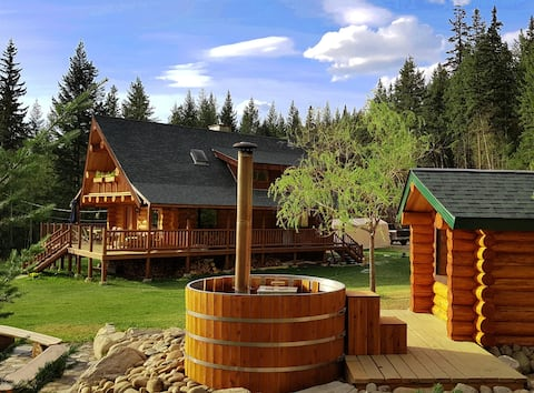 Swift Mountain Lodge - log house by the river