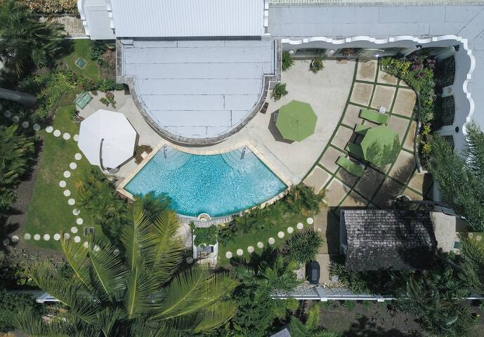 Overhead view of the villa courtyard, sundecks and pool.