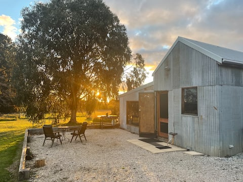 The Shed, Borenore | Romantic Getaway + Woodfire