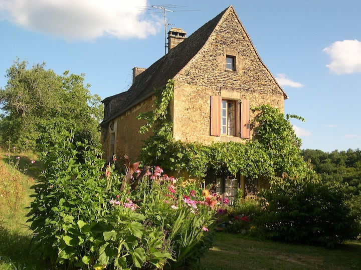 Dans un écrin de verdure, entre Vézère et Dordogne
