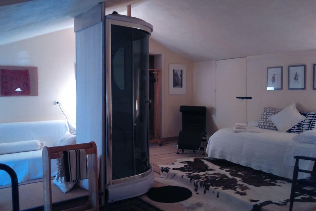Ambra suite camera 2
