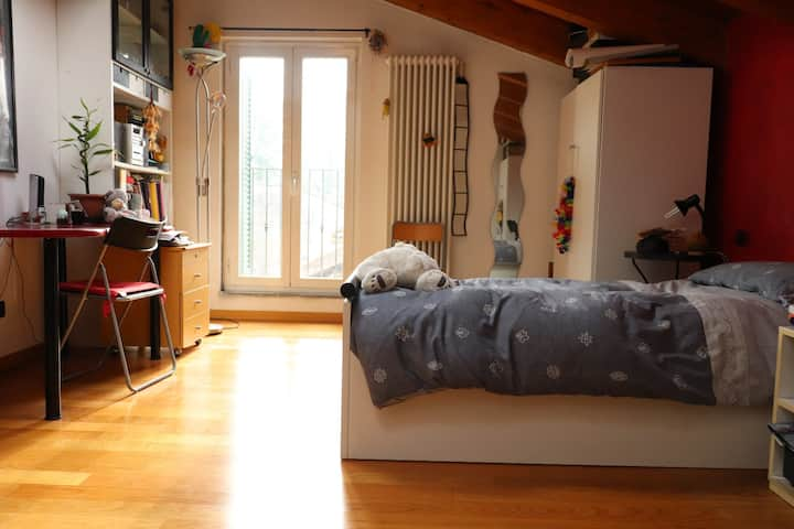 Lovely and Bright single room near Monza
