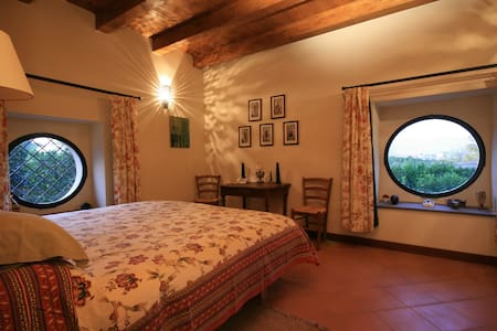 Stunning bed & breakfast historical villa - Pool - Nola - Oda + Kahvaltı