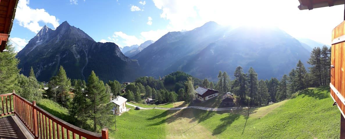 Chalet avec vue imprenable sur le Val d'Hérens