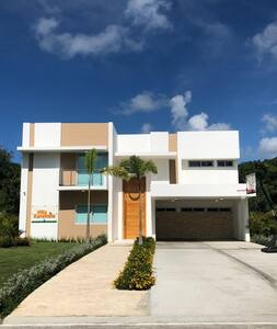 Spectacular Dream Beach Golf Villa, Nueva Romana