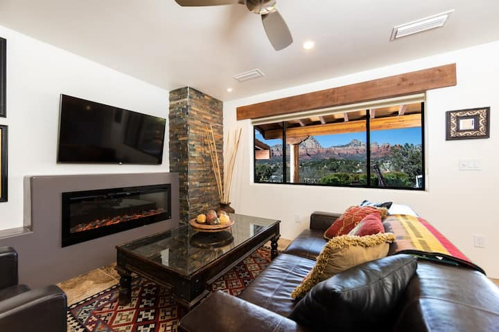 Enchanting Red Rock Views, Pvt Open Suite #7