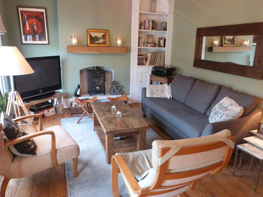 Living room - comfortable and spacious